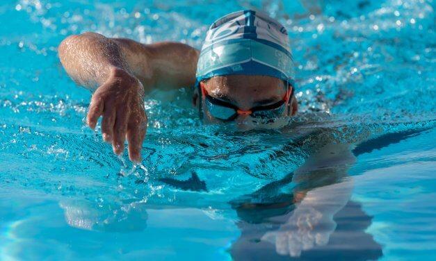Conseils pour éviter le mal de mer en nageant en eau libre